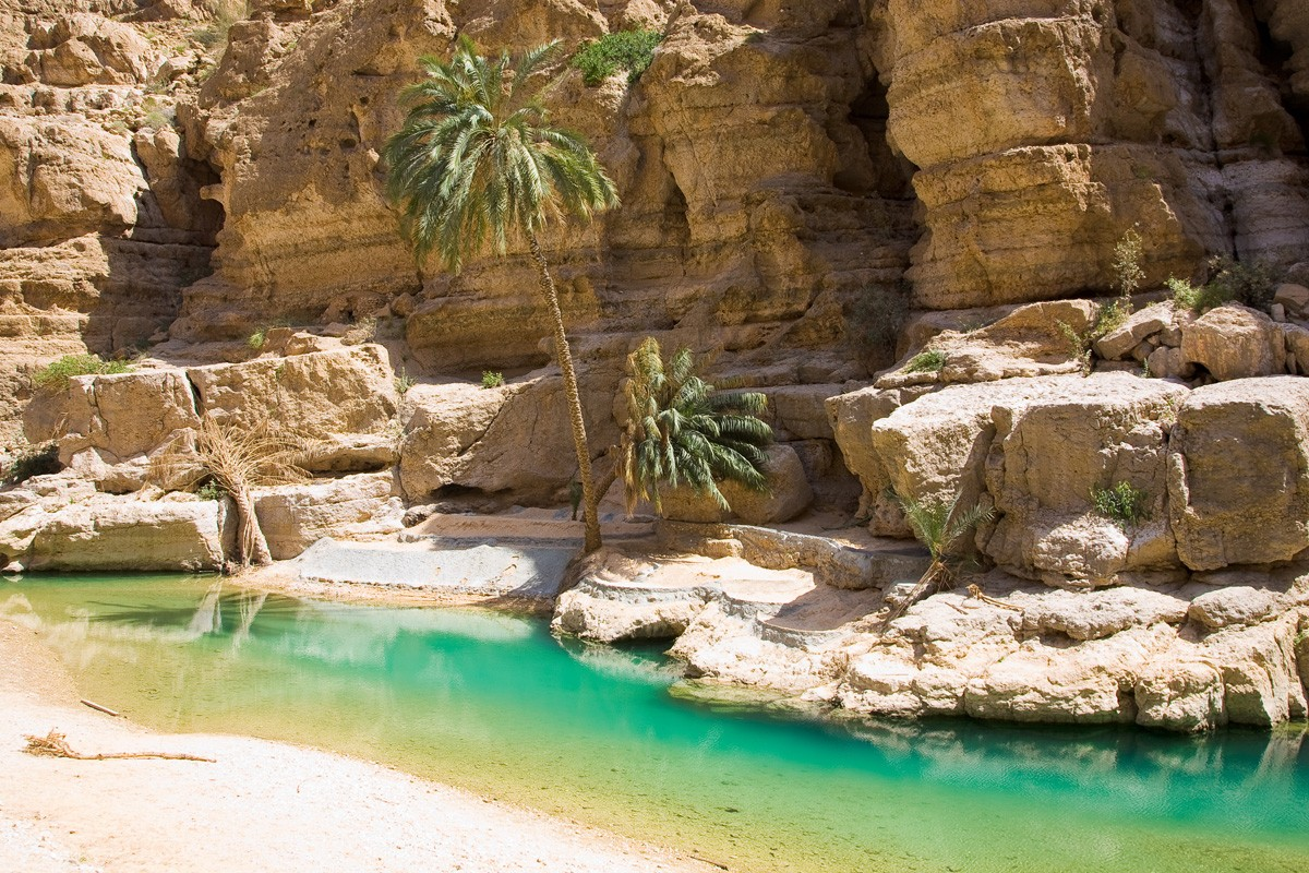 Wadi Shab Jeep Tour From Muscat
