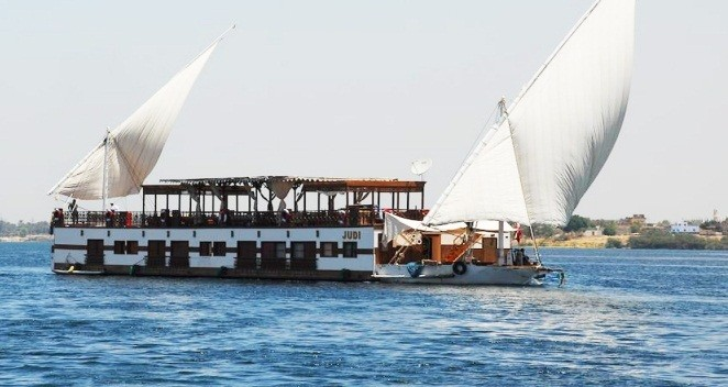 7 Day Judi Dahabiya Nile Boat From Luxor to Aswan