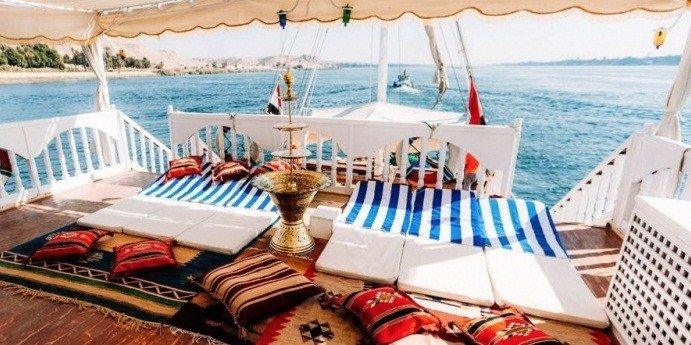4 Day MS Amoura Dahabiya Nile Cruise From Aswan to Luxor
